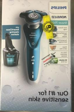 Philips Norelco 7500 Wet & Dry Rechargeable Electric Shaver